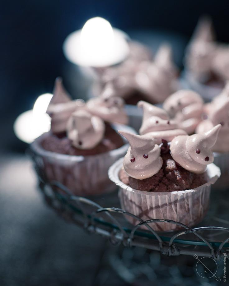 Bezglutenowe muffiny gryczane z bezami na halloween