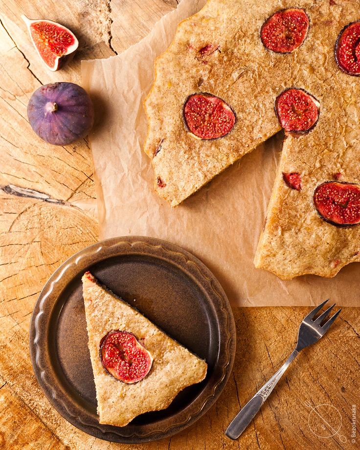 Bezglutenowe ciasto z dyni a la brownie z figami i daktylami