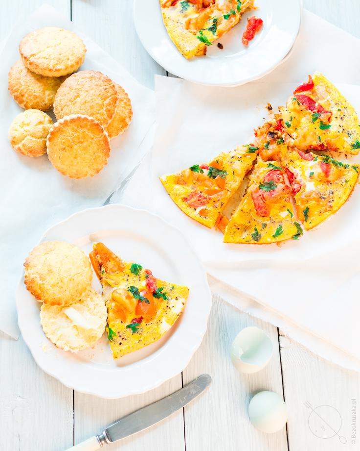Hiszpański omlet z warzywami bezglutenowe śniadanie