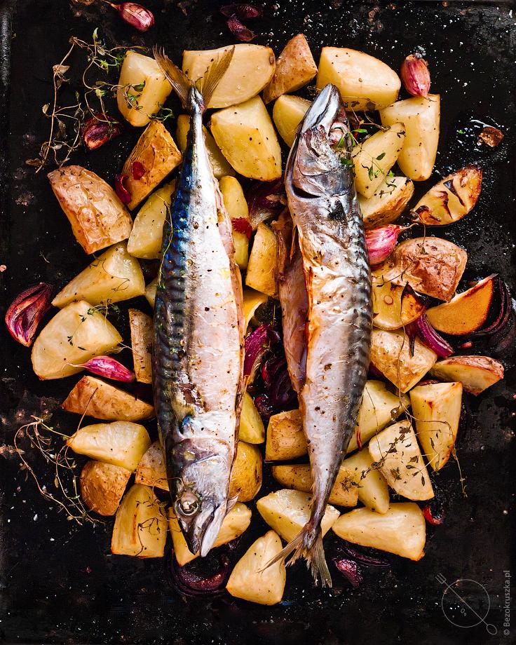 Bezglutenowy obiad makrela pieczona z ziemniakami