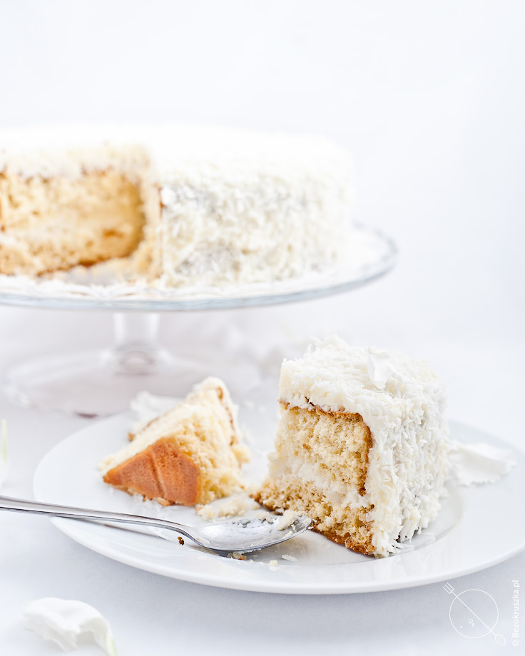 Bezglutenowy tort kokosowy z wiórkami i ksylitolem