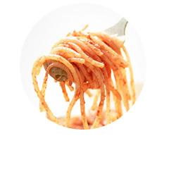 Spaghetti bezglutenowe z indykiem i suszonymi pomidorami