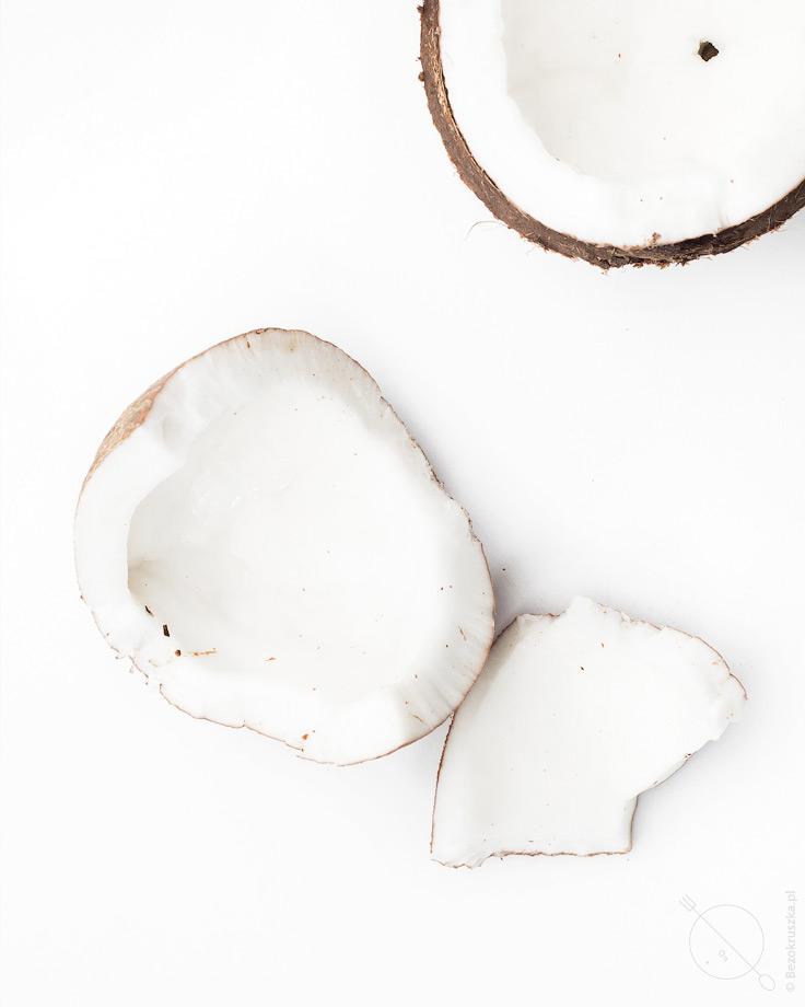 Domowe bezglutenowe wiórki kokosowe