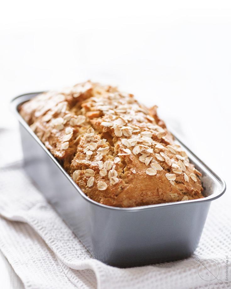 Bezglutenowy owsiany chleb na zakwasie