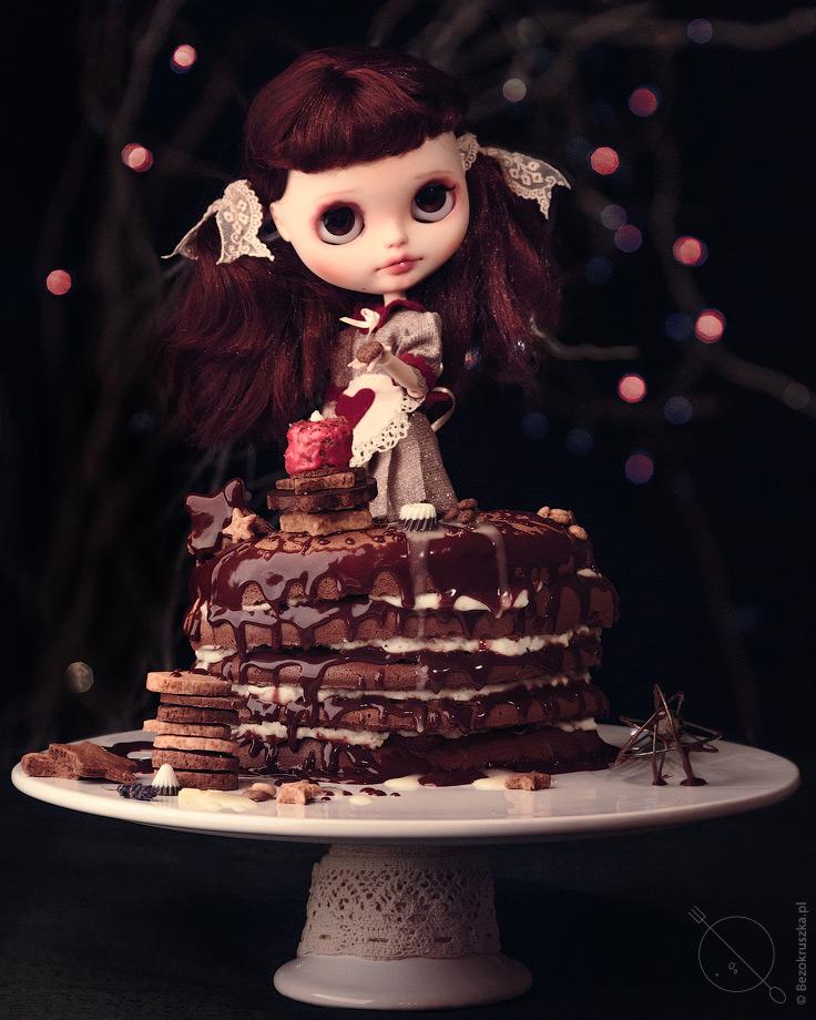 Tort czekoladowo-śmietankowy z bezglutenowym biszkoptem