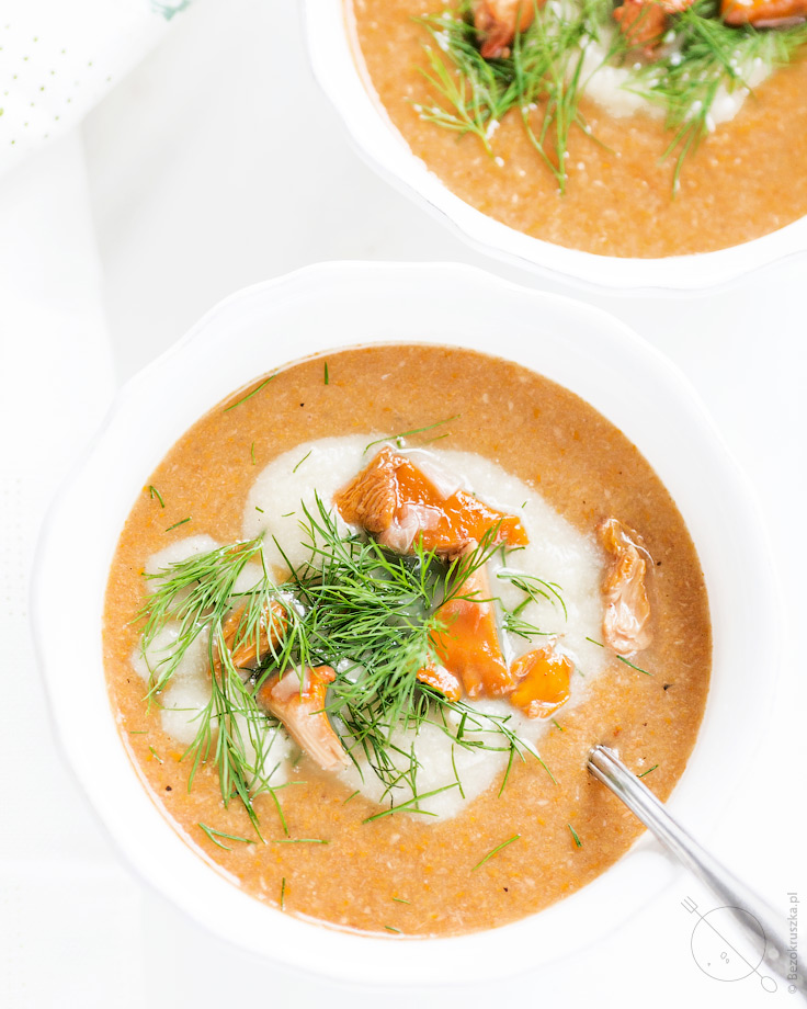 Zupa krem z kurek zabielana kalafiorem wegańska