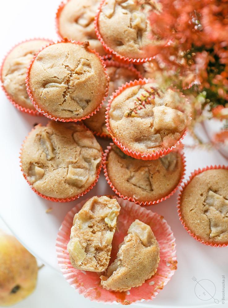 bezglutenowe wegańskie muffinki z gruszkami